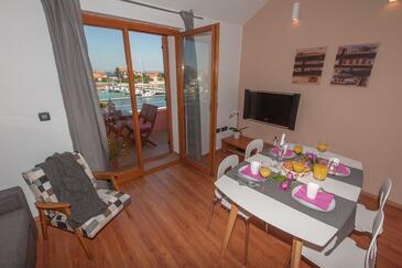 Poljana, Столовая в размещении типа apartment, доступный кондиционер и WiFi.