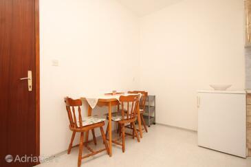 Muline, Dining room in the apartment, dopusteni kucni ljubimci i WIFI.