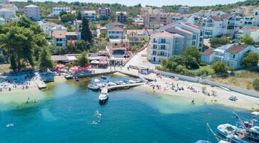 Okrug Gornji, Čiovo, Property 8440 - Apartments near sea with pebble beach.