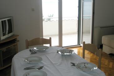 Podstrana, Jídelna v ubytování typu apartment, s klimatizací a WiFi.