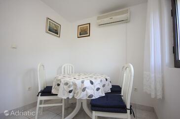 Vis, Jídelna v ubytování typu apartment, s klimatizací, domácí mazlíčci povoleni a WiFi.