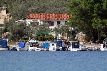 Mala Lamjana, Ugljan, Objekt 8449 – Apartmaji v bližini morja.