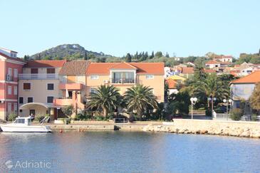 Poljana, Ugljan, Property 8450 - Apartments by the sea.