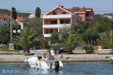 Kukljica, Ugljan, Property 8451 - Apartments near sea with pebble beach.