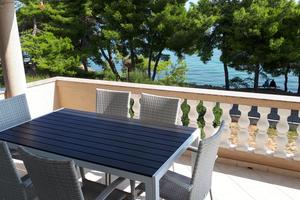 Apartments by the sea Tkon (Pašman) - 8454