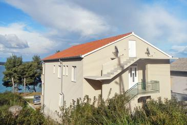 Tkon, Pašman, Property 8454 - Apartments near sea with sandy beach.