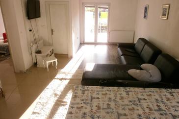 Tkon, Гостиная в размещении типа apartment, Домашние животные допускаются и WiFi.