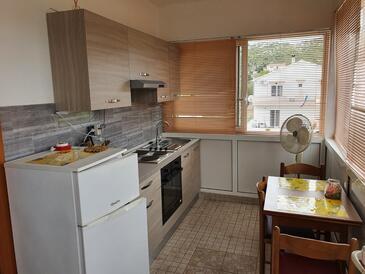 Mrljane, Dining room in the studio-apartment, WiFi.