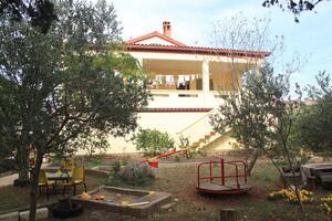Appartamenti con parcheggio Ugliano - Ugljan - 8479