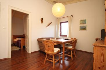 Rukavac, Dining room in the apartment, air condition available, (pet friendly) and WiFi.