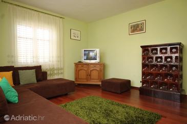 Guduće, Living room in the apartment, dopusteni kucni ljubimci i WIFI.