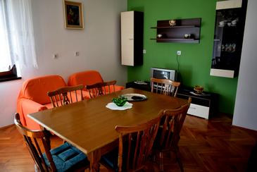 Ugljan, Jídelna v ubytování typu apartment, s klimatizací a WiFi.