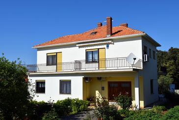 Ugljan, Ugljan, Объект 8493 - Апартаменты с галечным пляжем.