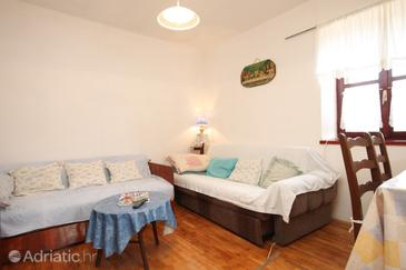 Lukoran, Living room in the apartment, air condition available.