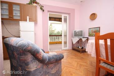 Mrljane, Living room in the apartment, dostupna klima i dopusteni kucni ljubimci.