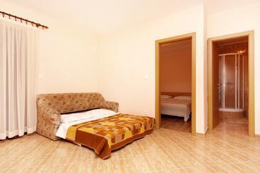 Turanj, Living room in the apartment, dopusteni kucni ljubimci i WIFI.
