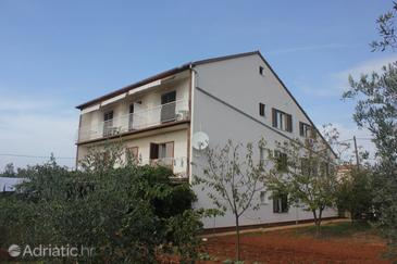 Muline, Ugljan, Property 8520 - Apartments near sea with pebble beach.