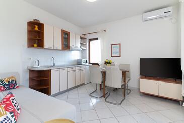 Muline, Dining room in the apartment, dostupna klima i WIFI.