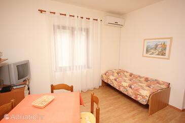 Muline, Living room in the apartment, air condition available and WiFi.