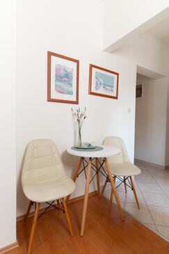 Muline, Jídelna v ubytování typu studio-apartment, s klimatizací a WiFi.