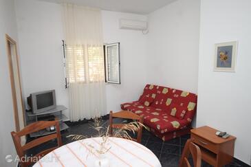 Vis, Living room in the apartment, dostupna klima.