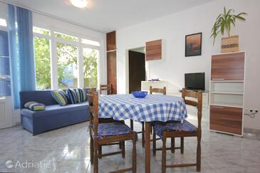 Vis, Dining room in the apartment, dostupna klima i dopusteni kucni ljubimci.