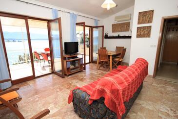 Klek, Obývací pokoj v ubytování typu apartment, dopusteni kucni ljubimci i WIFI.