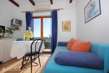 Brsečine, Dining room in the apartment, dostupna klima, dopusteni kucni ljubimci i WIFI.