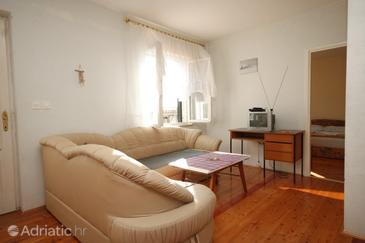 Slano, Living room in the apartment, dostupna klima i WIFI.