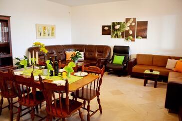 Brsečine, Living room 1 in the apartment, dostupna klima, dopusteni kucni ljubimci i WIFI.