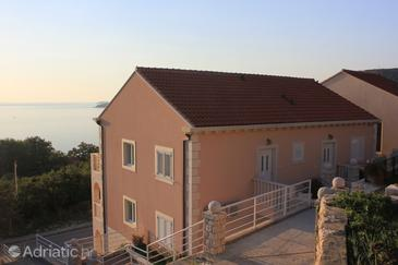 Plat, Dubrovnik, Property 8558 - Apartments with pebble beach.
