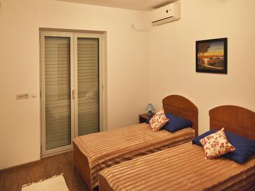 Bedroom    - A-8565-a