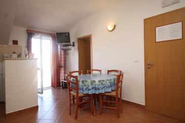 Cavtat, Jídelna v ubytování typu apartment, s klimatizací, domácí mazlíčci povoleni a WiFi.