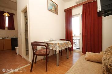 Cavtat, Dining room in the apartment, air condition available, (pet friendly) and WiFi.