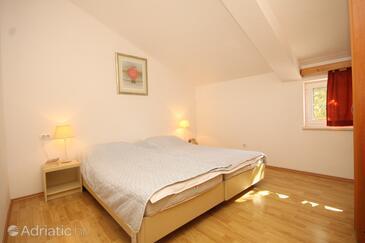 Bedroom    - A-8576-c