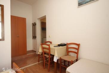 Cavtat, Dining room in the studio-apartment, (pet friendly) and WiFi.