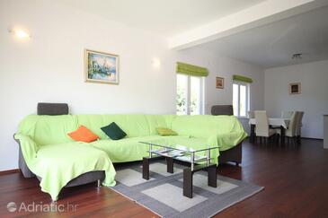 Zastolje, Obývací pokoj v ubytování typu house, s klimatizací a WiFi.