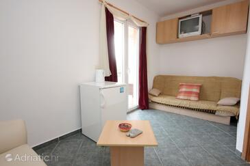 Mlini, Living room in the apartment, air condition available and WiFi.