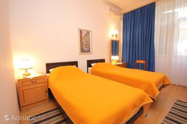 Bedroom 3   - A-8582-a