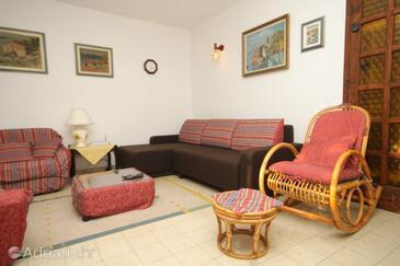 Mokošica, Living room in the house, dostupna klima, dopusteni kucni ljubimci i WIFI.