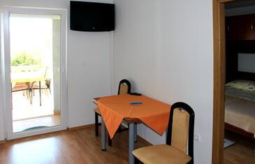 Biograd na Moru, Jadalnia w zakwaterowaniu typu apartment, WIFI.