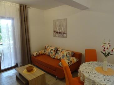 Biograd na Moru, Obývací pokoj v ubytování typu apartment, s klimatizací a WiFi.