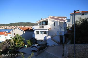 Okrug Gornji, Čiovo, Property 8624 - Apartments near sea with pebble beach.