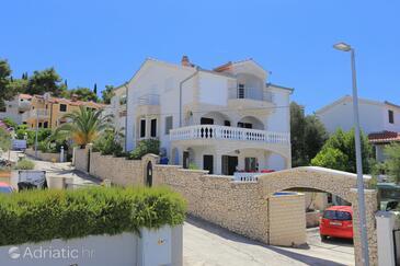 Okrug Gornji, Čiovo, Property 8625 - Apartments near sea with pebble beach.