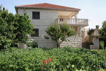 Povlja, Brač, Property 8628 - Apartments with pebble beach.