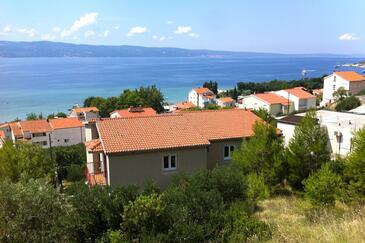 Duće, Omiš, Property 8631 - Apartments near sea with sandy beach.