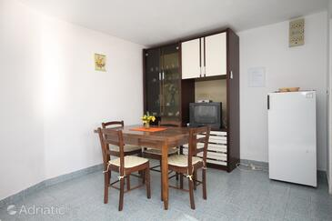 Marušići, Dining room in the apartment, (pet friendly).