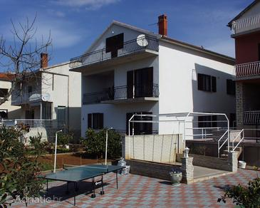 Biograd na Moru, Biograd, Property 865 - Apartments near sea with pebble beach.
