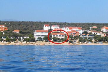 Mandre, Pag, Imobil 8655 - Cazare în apropierea mării cu plajă cu pietriș.