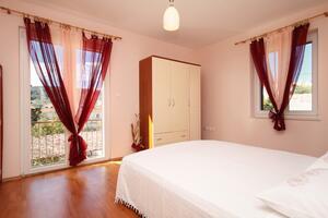 Apartamenty z parkingiem Slatine (Ciovo) - 8658
